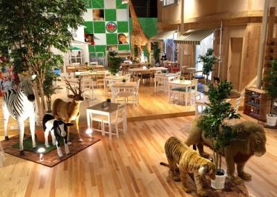 親子で楽しむ新スポット、「ピクニック カフェ ワンガン ズー アドベンチャー」が東京・勝どきに誕生。