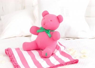 ピンクの限定「ラルフ ローレン ベア」で、チャリティに参加しましょう。
