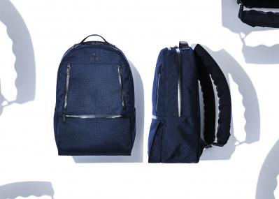 あの「ポータークラシック」が「コム デ ギャルソン・オム ドゥ」とコラボ。無重力感が味わえる新世代バッグとは。