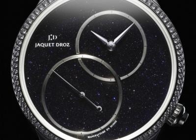 文字盤に夜空を描く、ロマンあふれる腕時計。