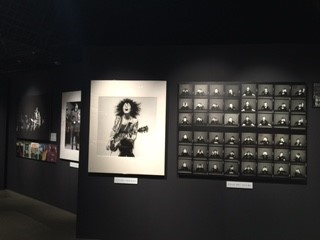 ロックを愛するクリエイター22人が参加した、 『ROCK: POWER, SPIRIT & LOVE』展が京都で開催中です。