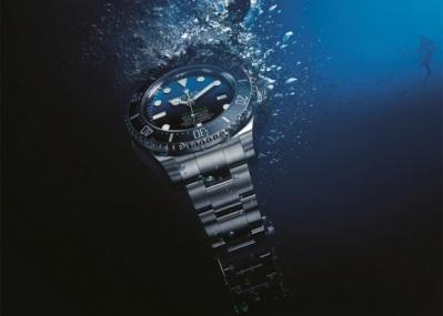 海洋最深部への有人探査を讃えるダイバーズ、「ロレックス ディープシー・D-BLUEダイアル」