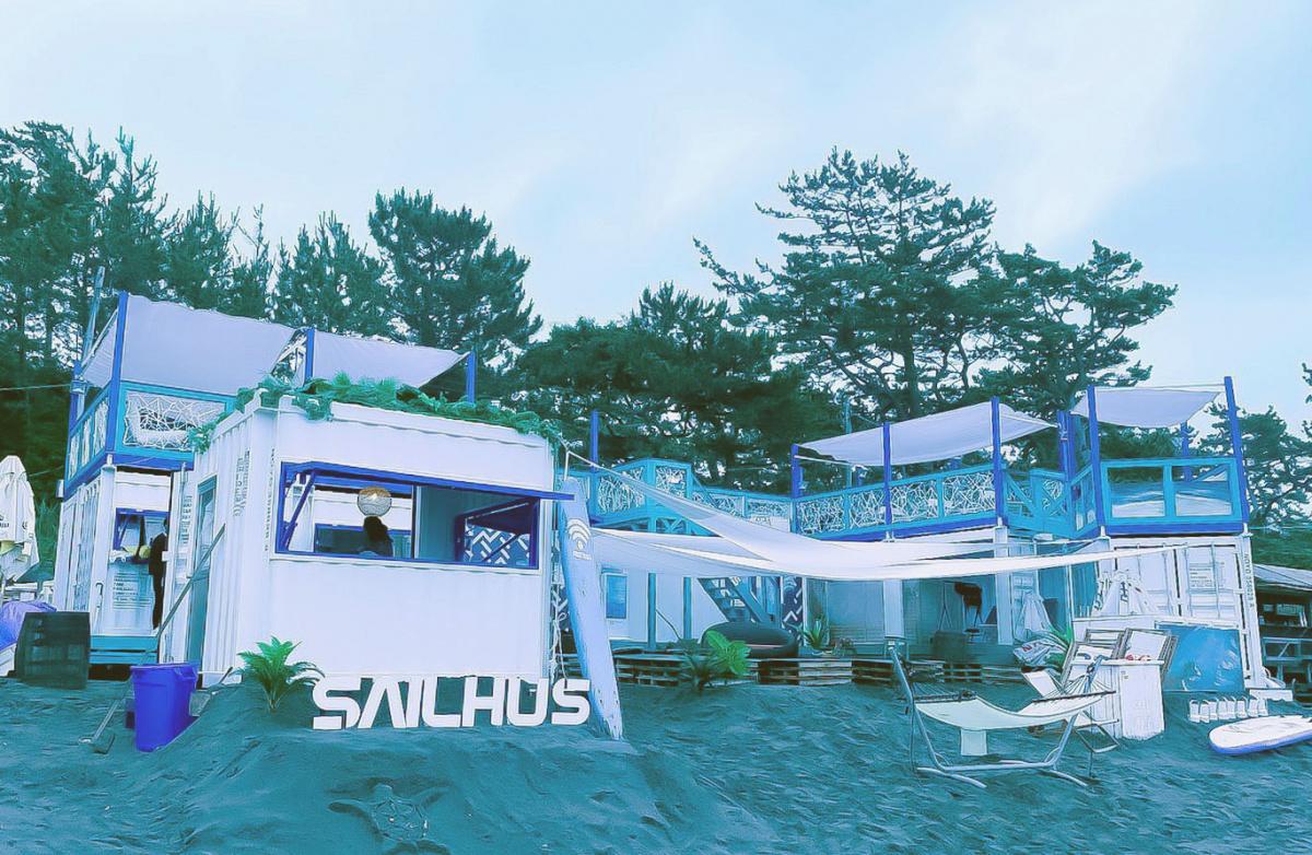 """葉山一色海岸のビーチハウス「SAIL HUS」、こんな""""こだわりメニュー""""がキャッシュレスで!"""