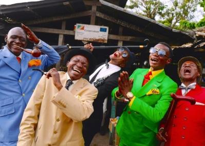 アフリカの伊達男「サプール」をご存知ですか? 彼らを追うSAP CHANOの写真展が開催中です。