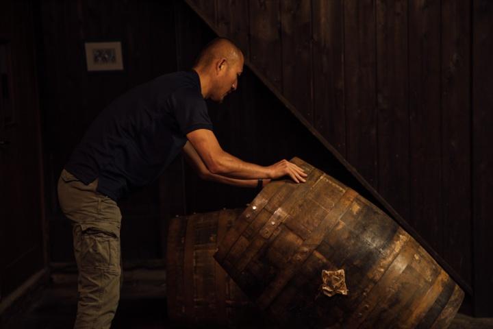 あの「七賢」を「白州」のウイスキー樽で熟成、スパークリング日本酒「杜ノ奏」をお試しあれ。