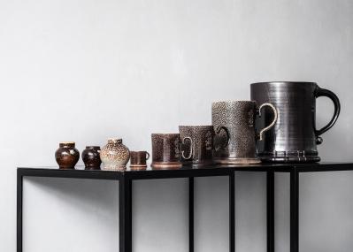 「アーツ&サイエンス」が目を付ける、英国人陶芸家スティーブ・ハリソンの新たな境地を目撃せよ。