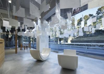 """チェコでも大好評でした! 建築家・保坂猛の""""空想""""あふれる展覧会が南青山で開催中。"""