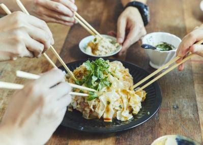 平野レミ直伝、ひとつの餃子をみんなで食べる「マウンテン餃子」 (ゲスト:和田率)