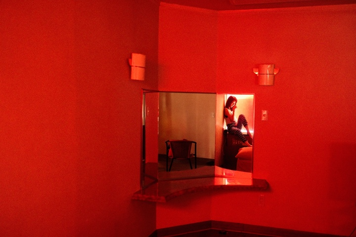 まるでロードムービー。プライベートな「親密さ」に既視感を覚える写真家・笠井爾示氏の最新作品集『東京の恋人』