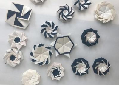 伝説のグラフィック・デザイナー、岡秀行へのオマージュ! 日本の包む文化を捉え直した「包の境」展が開催中。
