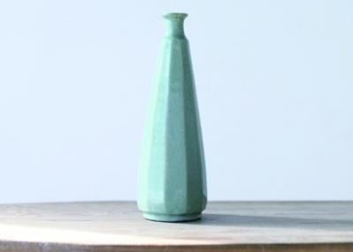 ほっそり、いきいき、色あざやか……。2つのギャラリーによる合同展「いろと、かたち」で、骨董の新しい魅力に出合いましょう。
