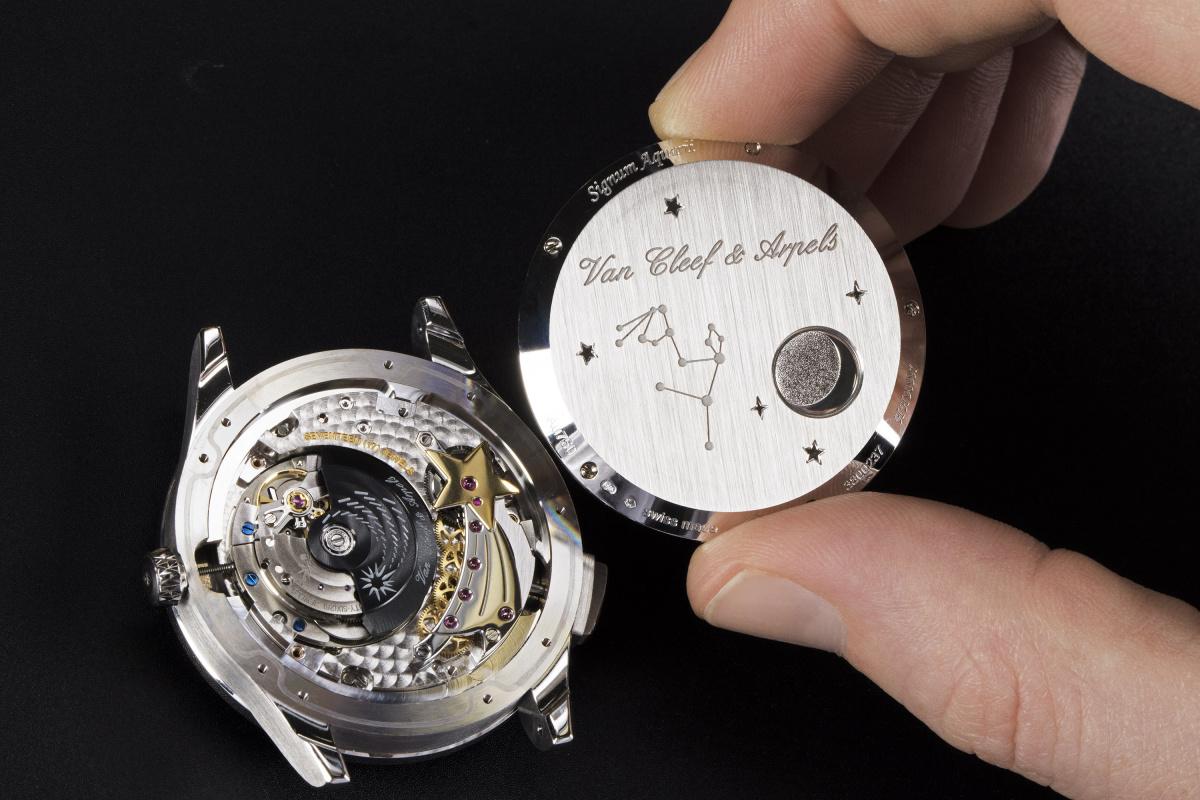 「ヴァン クリーフ&アーペル」が、12星座の輝きを腕時計に再現しました。