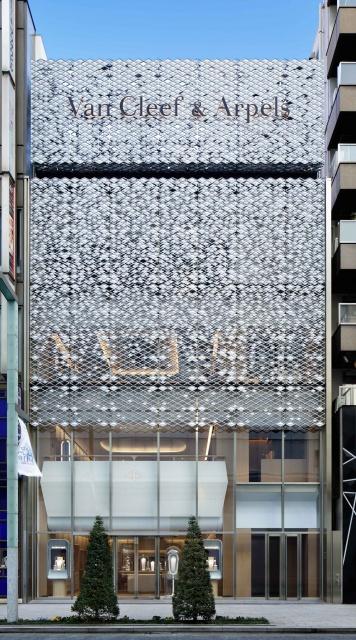 トップジュエラー「ヴァン クリーフ&アーペル」が、銀座3丁目に新旗艦店をオープンさせた理由とは?