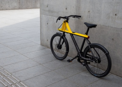 電動アシストつきとは思えぬスタイリッシュさ!オランダの最新自転車「VANMOOF」がすごい。