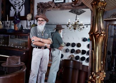 ニューヨークを闊歩するなら、「Aileyan」のハンドメイド帽子がお薦めです。