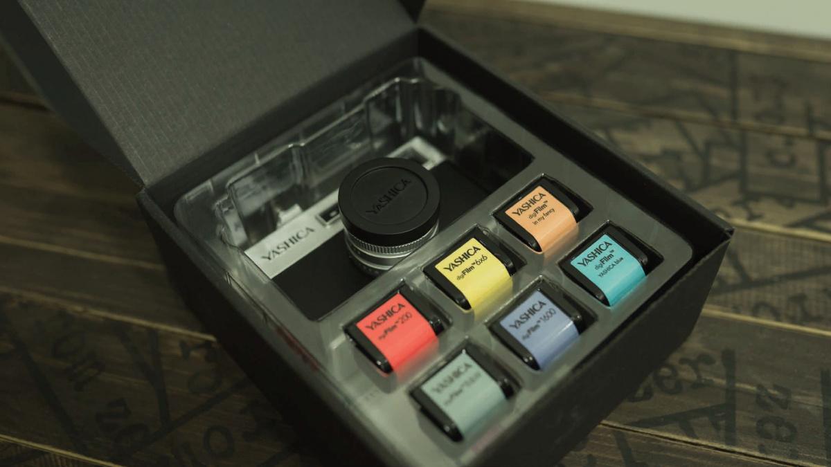 """表現したのはあの""""操作感""""。アナログ仕様の「ヤシカ デジフィルム カメラ Y35」の愉しさとは?"""