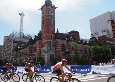 見慣れた場所がトライアスロンのコースに!? いつもと違う横浜で、大興奮のレースを観戦しましょう。