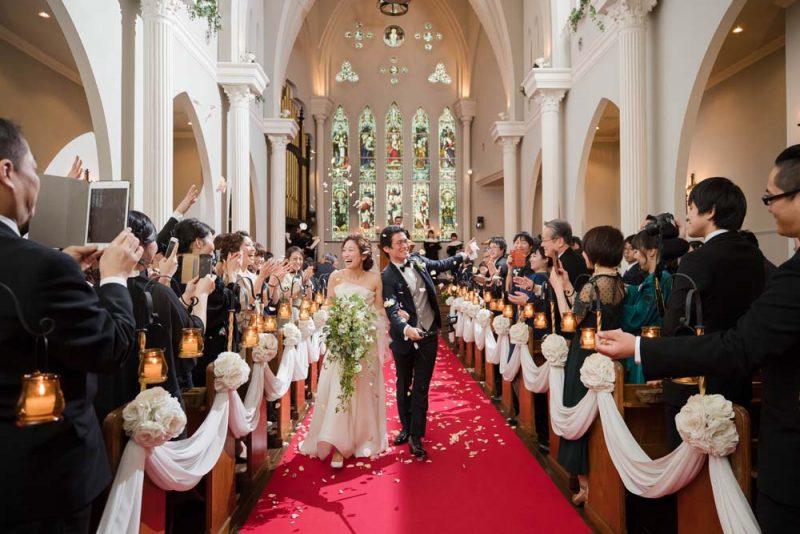 教会 結婚式 新郎新婦
