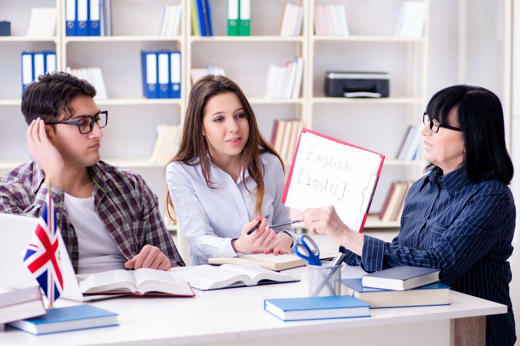 英会話の先生を探す方法