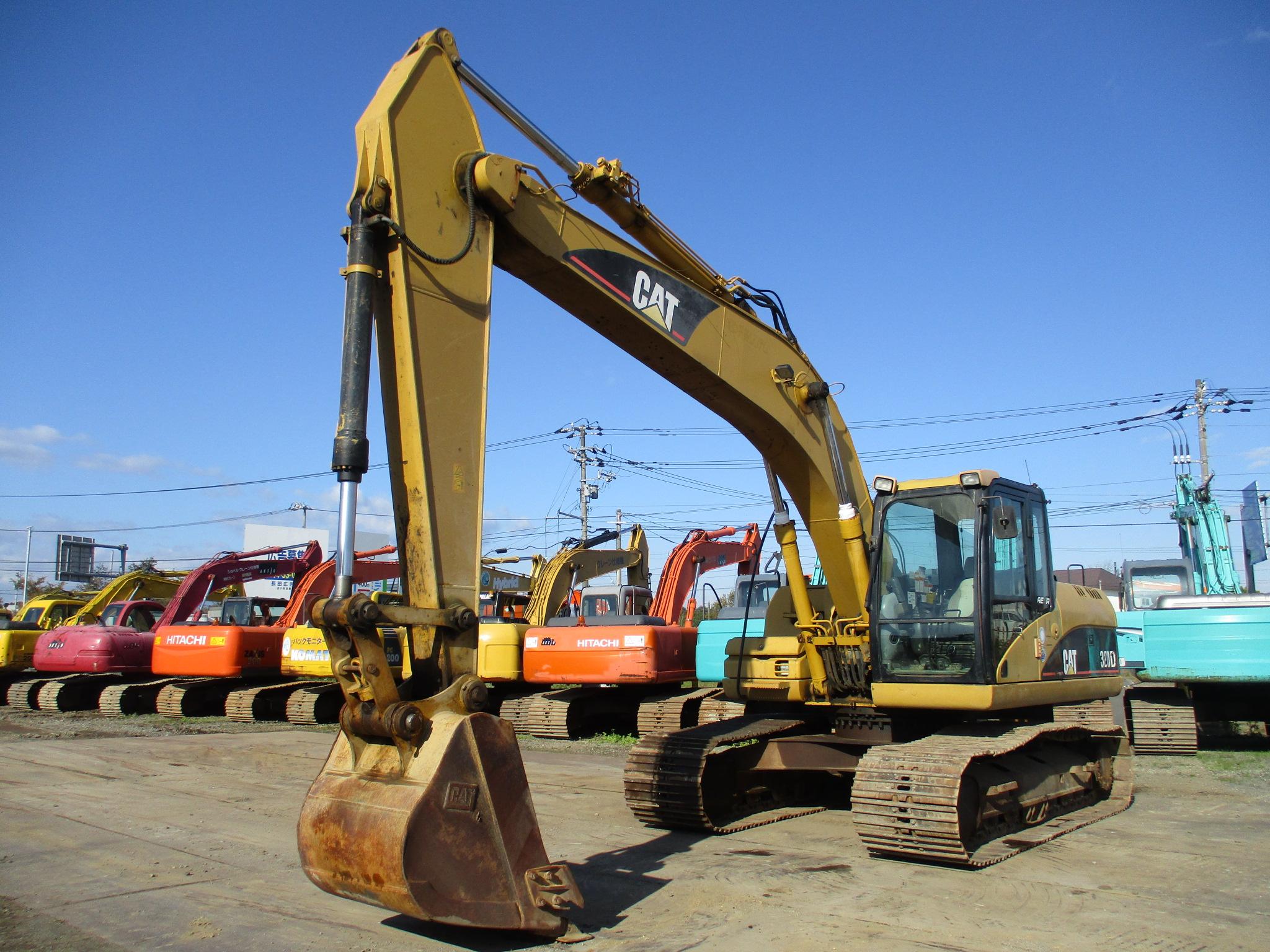 Excavators キャタピラー 320D-E
