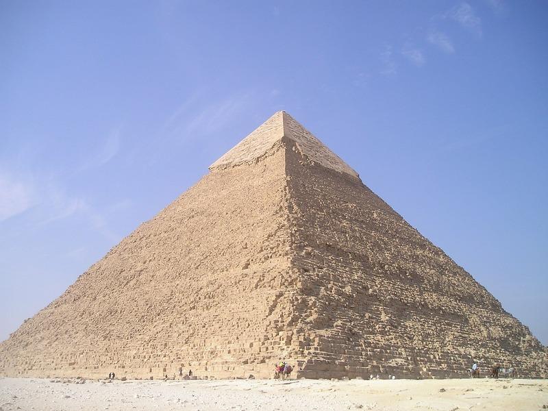 優先度の高い順でピラミッドを建てる