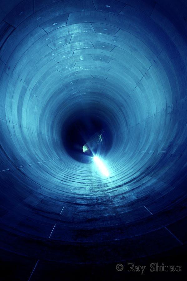 「大阪市にある、平成の太閤下水です。直径6mの雨水貯留管で、2015年3月に完成するよう現在工事中です」
