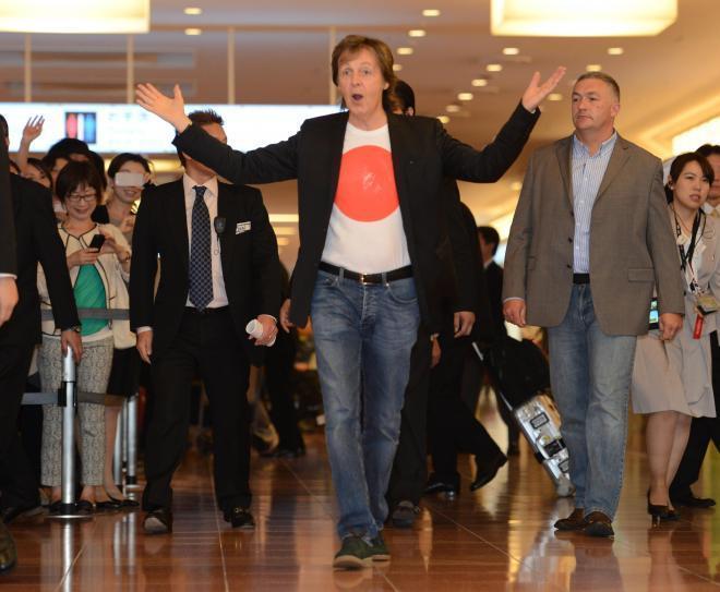 体調不良のため、日本での全公演を中止したポール・マッカートニーさん=2014年5月20日