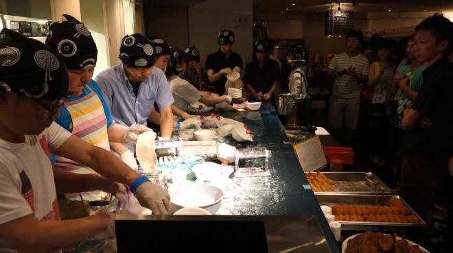 調理場は大忙し。