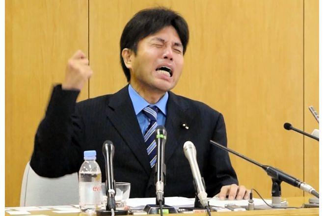 号泣会見ですっかり有名になった野々村氏