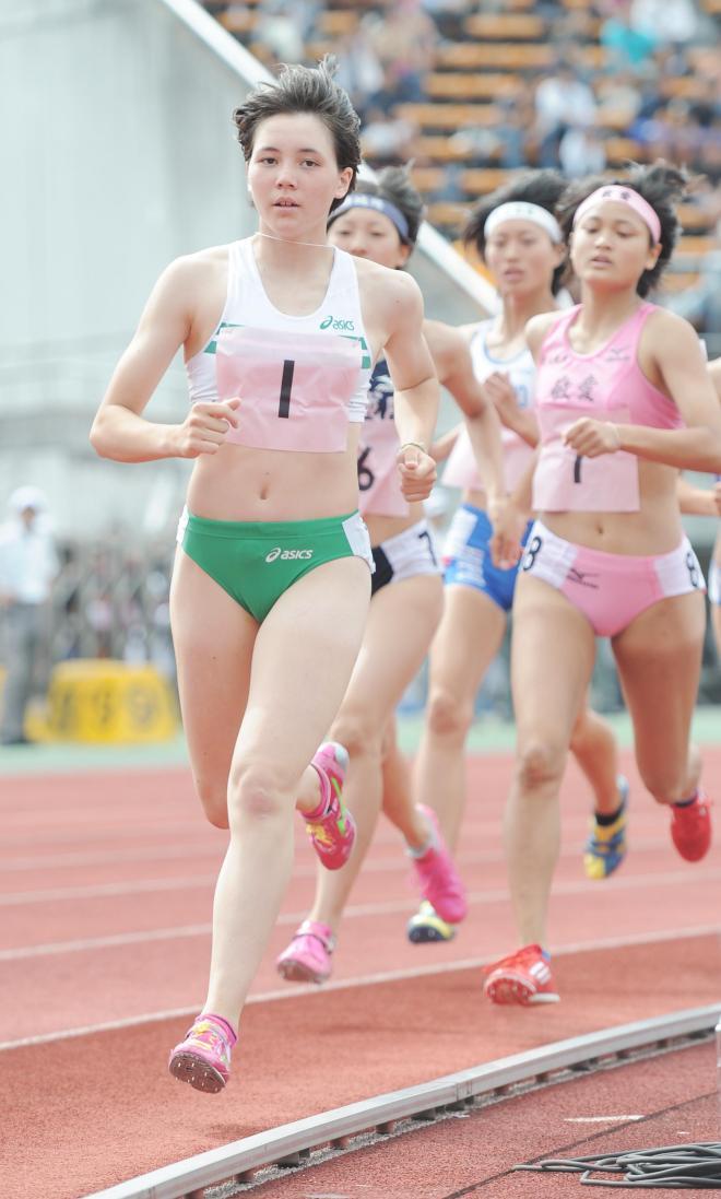 女子7種競技800メートルに出場するヘンプヒル恵=同上
