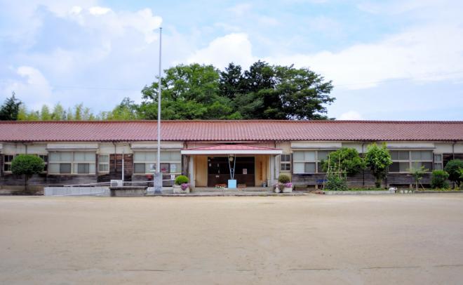 映画「天然コケッコー」の撮影が行われた旧後野小学校=島根県浜田市後野町