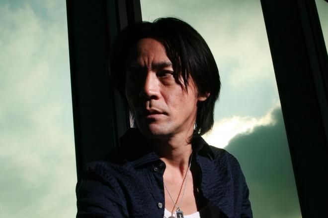 ロック歌手の氷室京介さん=2006年11月30日
