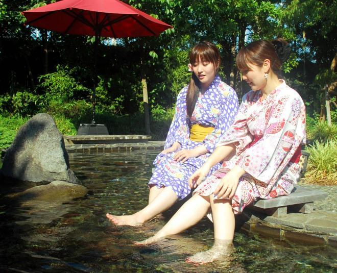江東区にある人気スポット「大江戸温泉物語」=2011年7月15日