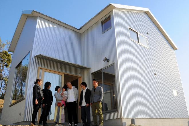 プロの建築家と学生が一緒に住宅を造ったことも