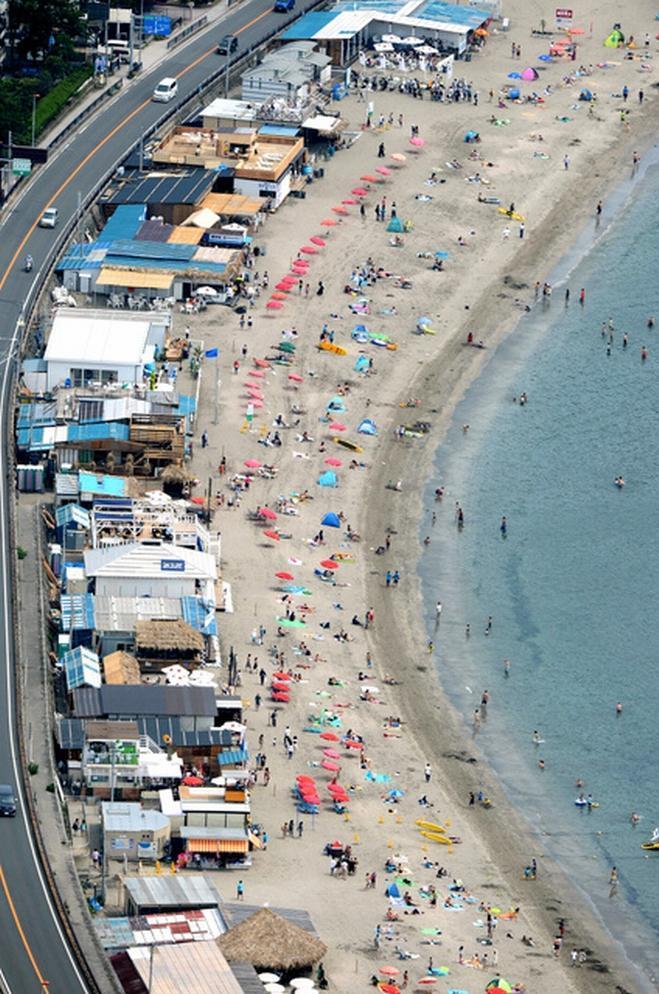 様々な規制がかけられた逗子の海岸