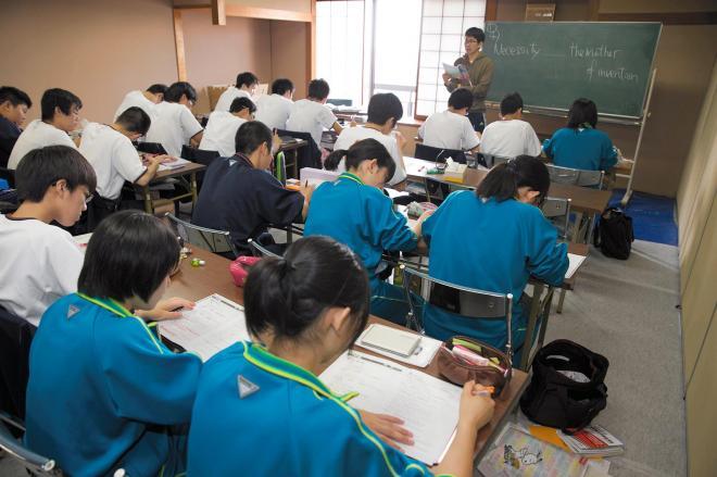 野球部の活躍に負けじと、勉強合宿に打ち込む大阪桐蔭の生徒