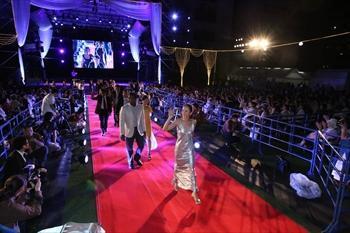 福岡市役所前広場で行われた福岡国際映画祭のオープニングセレモニー