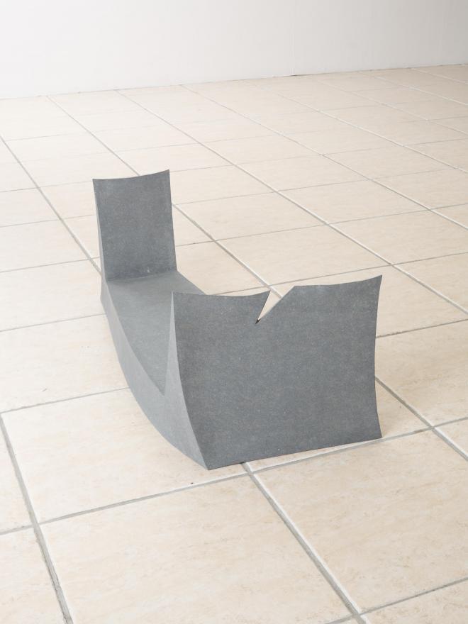 角で端を見るc|2012年|伊達冠石|w45×d75×h30cm photo:Hayato wakabayashi