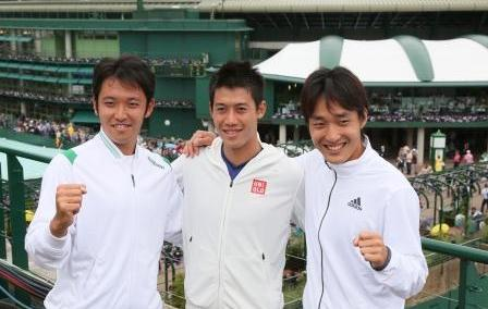 ロンドン五輪代表を決めた伊藤竜馬(左から)、錦織圭、添田豪。西畑志朗撮影、2012年6月27日