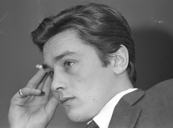 俳優のアラン・ドロンさん=1963年