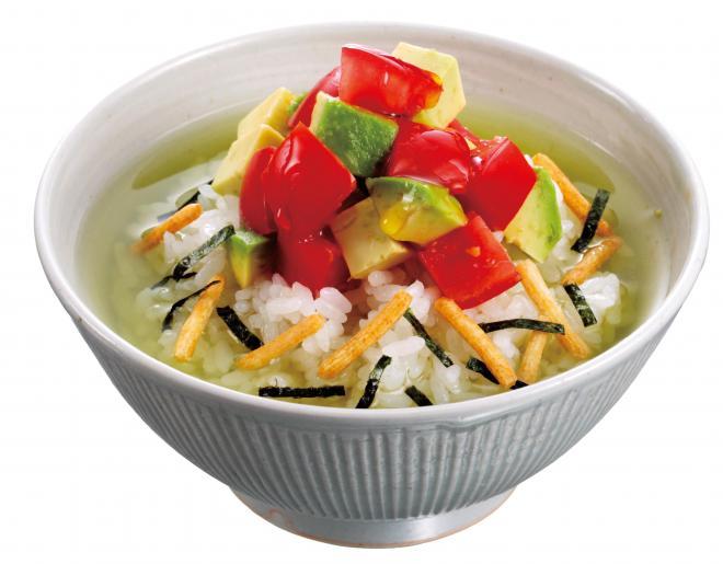 【熊本】トマトとアボカドのサラダ茶づけ
