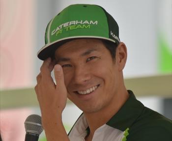 トークショーに出席した小林可夢偉選手=2014年8月1日、尼崎市のあまがさきキューズモール