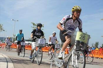 青森市で開かれたママチャリ6時間耐久レース=2011年8月28日 (写真は小林可夢偉選手とは関係ありません)