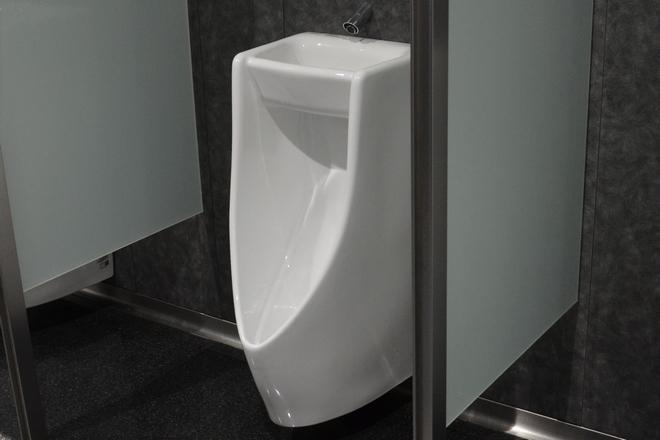 手洗い器つき小便器