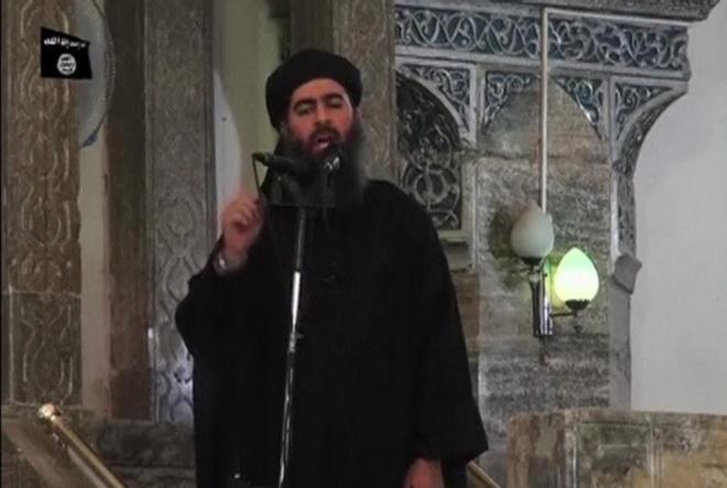 イスラム国の指導者バグダディ師とみられる男。7月5日にインターネット上に公開された画像から