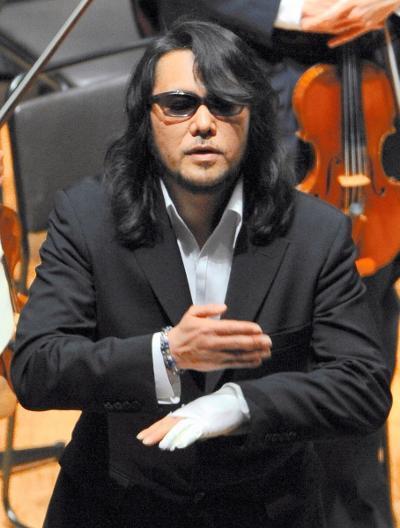 「全聾(ぜんろう)の作曲家」をかたっていた佐村河内守氏=2010年4月4日
