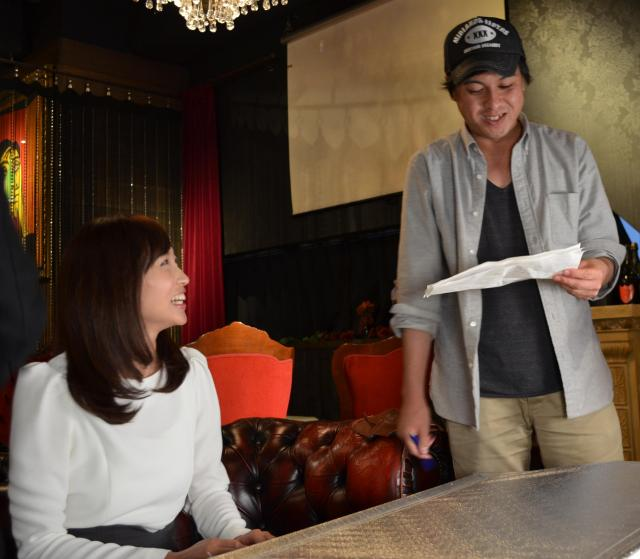高橋弘樹(たかはし・ひろき) テレビ東京プロデューサー・ディレクター。「吉木りさに怒られたい」の他、「ジョージ・ポットマンの平成史」、「家、ついて行ってイイですか?」、「文豪の食彩」、「空から日本を見てみようplus」、「ワーキングデッド〜働くゾンビたち」などでプロデュースや演出。著書に『TVディレクターの演出術』(ちくま新書)、『ジョージ・ポットマンの平成史』(共著、大和書房)