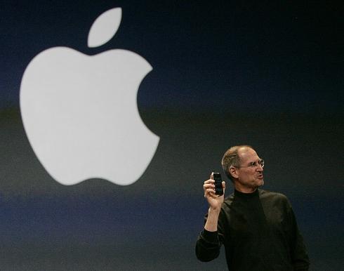 2007年1月9日、iPhone構想を発表するジョブズ=米サンフランシスコ