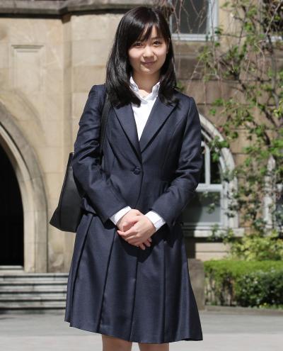 学習院大に入学した当時の秋篠宮家の佳子さま=2013年4月8日、東京都豊島区