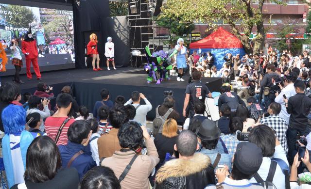 ステージにも多くの若者が集まりました
